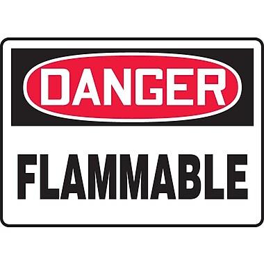 Accuform Signs® - Panneau de sécurité « DANGER FLAMMABLE », 7 po x 10 po, plastique