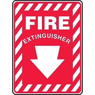 Accuform Signs® - Panneau de sécurité « FIRE EXTINGUISHER » (flèche), 14 po x 10 po, plastique