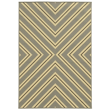 StyleHaven - Geometric Grey/ Ivory Indoor/Outdoor Machine-Made Polypropylene Area Rug (3'7