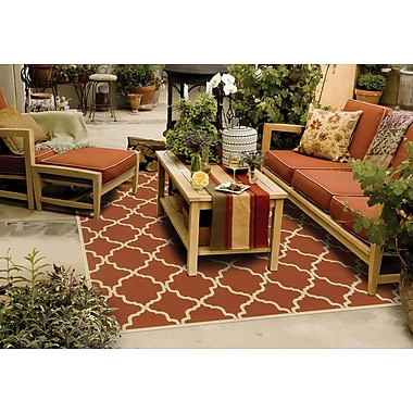 StyleHaven Geometric Orange/ Ivory Indoor/Outdoor Machine-made Polypropylene Area Rug (6'7