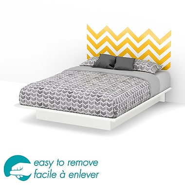 South Shore – Grand lit plateforme de 60 po Step One avec décalcomanie de chevron jaune pour tête de lit, 82 x 64 x 10 po, blanc