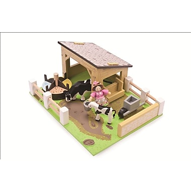 Le Toy Van Yellow Barn with Cows and Farmer's Wife