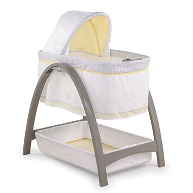 Summer Infant Bentwood Bassinet, Chevron Leaf