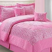 Serenta Safari Pink Small Giraffe 6 Piece Comforter Set; Queen