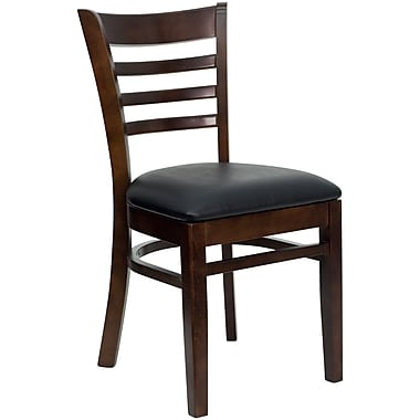 Chaise de restaurant en bois à traverses horizontales, fini noyer, siège en vinyle noir (XUDGW5LADWALBKV)
