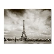 "Trademark Fine Art ''Paris Eiffel Tower and Man'' by Preston 18"" x 24"" Canvas Art (EM0551-C1824GG)"