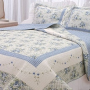 Textiles Plus Inc. Trellis Quilt Set; Full / Queen