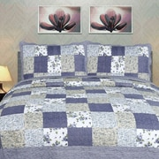 DaDa Bedding 3 Piece Blueberry Patch Quilt Set; King