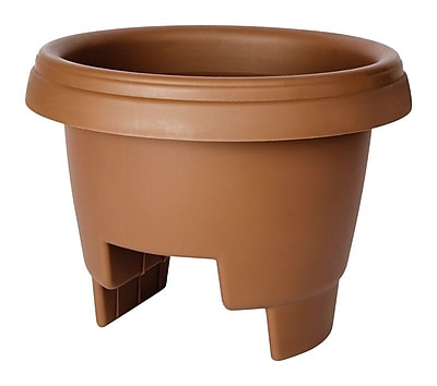 Lodge Round Rail Planter; Clay WYF078279024925