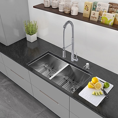 Vigo 32'' x 19'' Undermount 50/50 Double Bowl 16 Gauge Stainless Steel Kitchen Sink w/ Faucet WYF078279160644