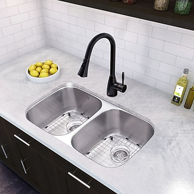 Vigo 32'' x 18.5'' Undermount 50/50 Double Bowl 18 Gauge Stainless Steel Kitchen Sink w/ Faucet WYF078279240873