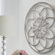 Kate and Laurel Kate and Laurel Ondelette Round Medallion Wood Wall Decor; Silver