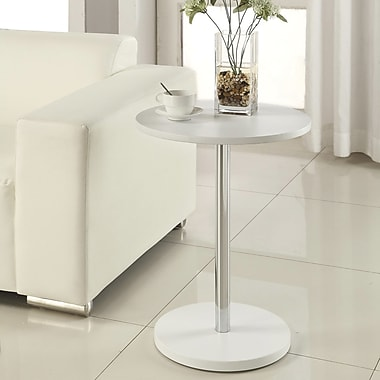 Carolina Cottage 23 3/4in. x 17 3/4in. x 17 3/4in. Wood Gavin Side Table, White