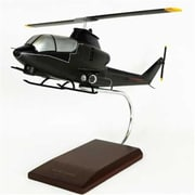 Toys And Models Ah-1G Cobra 1/32 Scale Model (Tam253)