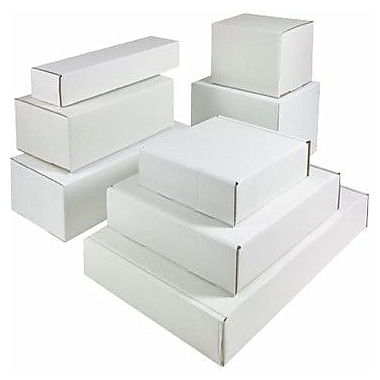 Staples® White Outside-Tuck Mailers