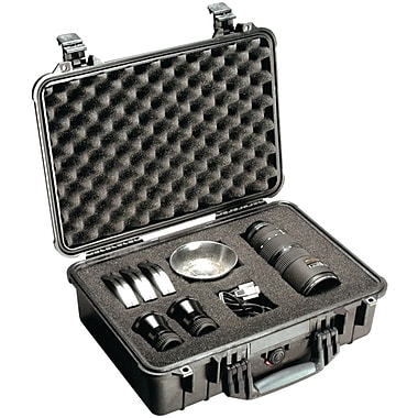 Pelican 1500 Case With Padded Divider, Black
