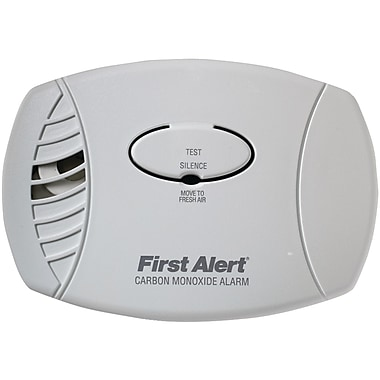 First Alert Carbon Monoxide Plug-In Alarm Without Backup Or Display (FATCO600)