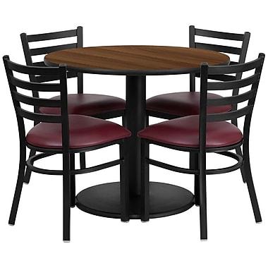 Flash Furniture – Table ronde de 36 po, dessus stratifié noyer avec base ronde et 4 chaises en métal, siège en vinyle bourgogne