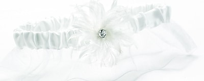 HBH™ Feathered Flair Garter With Layered Feather Accent, White