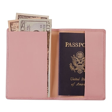 Royce Leather – Étui pour passeport, rose œillet, estampage doré à chaud, 3 initiales