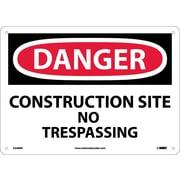 Panneau Danger, Construction Site No Trespassing, 10 x 14 po, plastique rigide