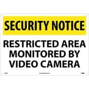 Panneau de sécurité Security notice, Restricted area monitored by video camera, 14 x 20 po, aluminium de 0,04 po
