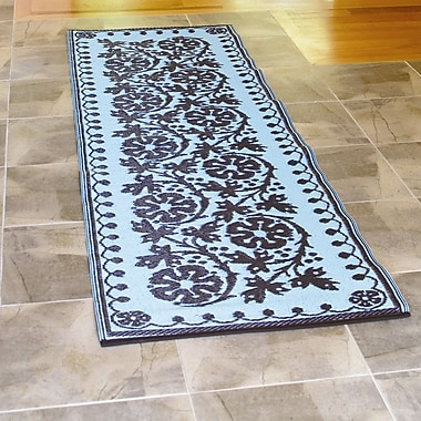 Koko Company Cinquefoil Ice Coffee Indoor/Outdoor Area Rug; Runner 2'6'' x 8'