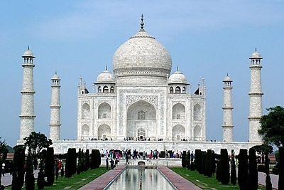 iCanvas Taj Mahal Photographic Print on Wrapped Canvas; 12'' H x 18'' W x 0.75'' D