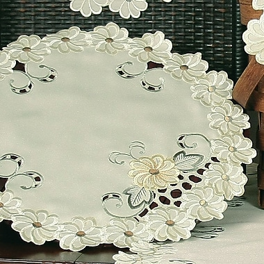 Xia Home Fashions Emerald Daisy Embroidered Cutwork Round Doily (Set of 4); 16''