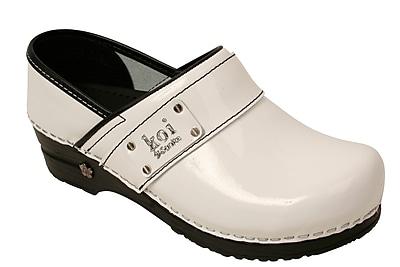 Sanita Footwear Leather Women's Lindsey Clog White Patent, 6.5 - 7