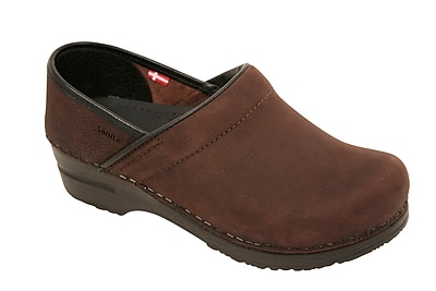 Sanita Footwear Leather Professional Lisbeth Closed Oil Leather Clog Brown, 9.5 - 10