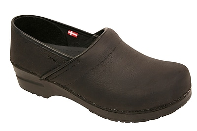 Sanita Footwear Women's Professional Lisbeth Closed Oil Leather Clog 4.5-5
