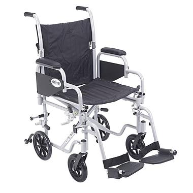 Drive Medical – Fauteuil de transport Poly-Fly avec repose-pieds escamotables avec siège de 18 po