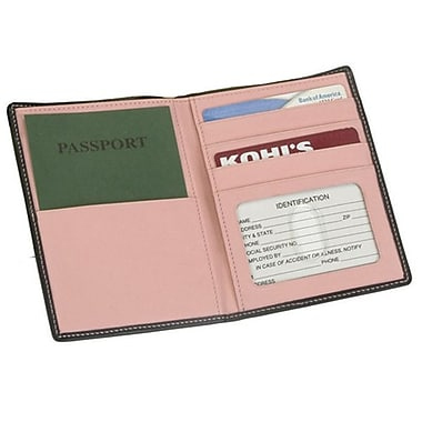 Royce Leather – Porte-passeport/devises, collection Metro, rose œillet, estampage doré, 3 initiales