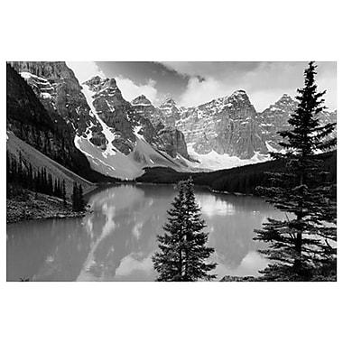 Majestueux lac Moraine, Alberta, toile tendue, 24 x 36 po
