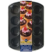 Wilton® 12 Cavity Covered Muffin Pan