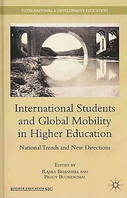 Palgrave Macmillan International Students and Global Mobility in Higher Education Hardback Book