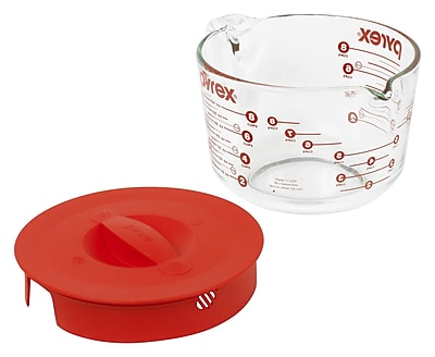 Pyrex Prepware 8 Cup Measuring Cup w/ Red Plastic Cover in Clear WYF078276556176