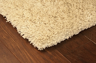 StyleHaven Shag Ivory/ Ivory Indoor Machine-made Polypropylene Area Rug (7'10