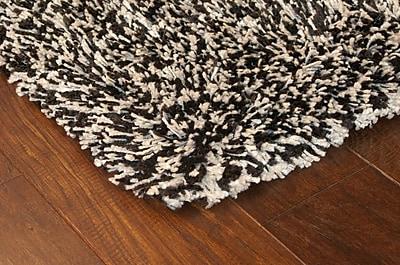 Shag Black/ Ivory Indoor Machine-made Polypropylene Area Rug (7'10