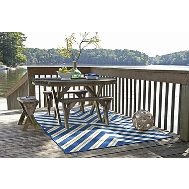 StyleHaven - Geometric Blue/ Ivory Indoor/Outdoor Machine - made Polypropylene Area Rug (6'7 X 9' 6