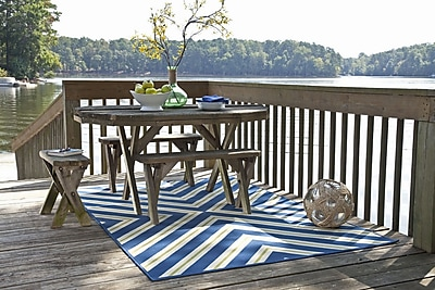 StyleHaven - Geometric Blue/ Ivory Indoor/ Outdoor Machine - made Polypropylene Area Rug (5'3