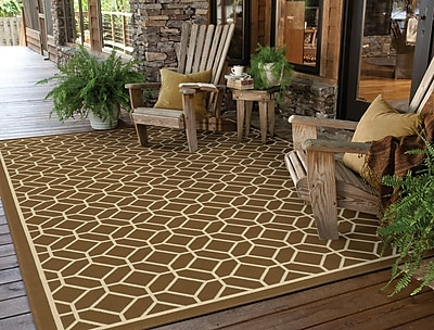 StyleHaven Geometric Brown/ Ivory Indoor/Outdoor Machine-made Polypropylene Area Rug (7'10