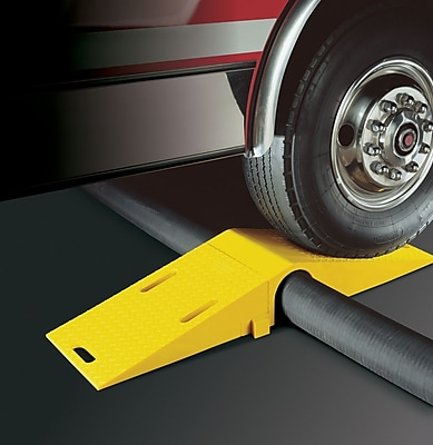 Checkers® Diamondback® Modular Bridge System Ramp For UHB5060T Tunnel, Yellow