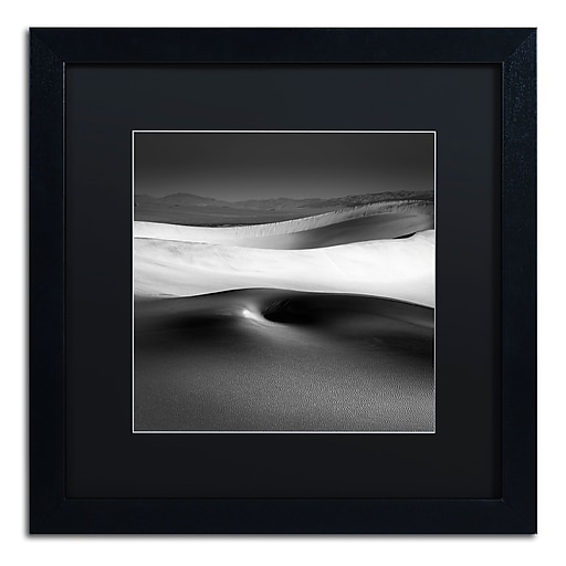 Trademark Fine Art Dave MacVicar 'Navel'  16 x 16 (886511745681)