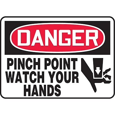 Safety Signs and Identification, Equipment, Danger; Pitch point watch your hands, SAU058