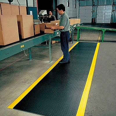 Superior Manufacturing NoTrax Diamond Sof-Tred Mat, 2' x 6', Black/Yellow (419S0026BY)