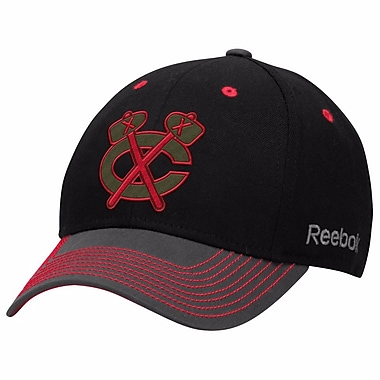 Reebok Face Off Tri-Tone Structured Flex Cap, Chicago Blackhawks, Small/Medium