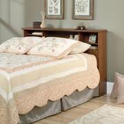 Tête de lit avec bibliothèque Orchard Hills pour lit double ou grand lit, cerisier Milled