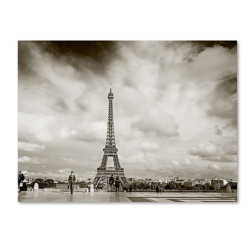 "Trademark Fine Art ''Paris Eiffel Tower and Man'' by Preston 14"" x 19"" Canvas Art (EM0551-C1419GG)"